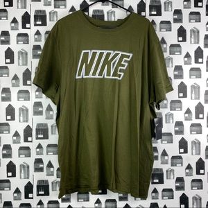 Nike NWT Men's Short Sleeve Green Graphic T-shirt